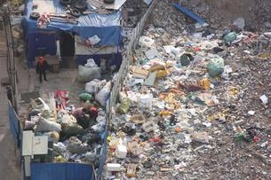 中国・青島 ゴミ処理場の写真素材 [FYI00121282]