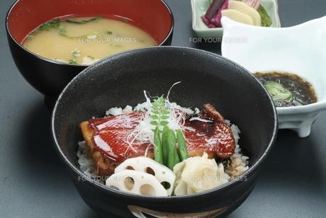 煮魚丼 (金目鯛)の写真素材 [FYI00121301]