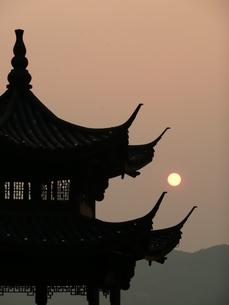 中国・杭州 西湖の夕暮れの写真素材 [FYI00121333]