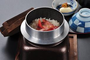 金目鯛の釜飯の写真素材 [FYI00121343]