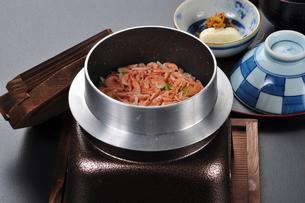 桜海老の釜飯の写真素材 [FYI00121354]