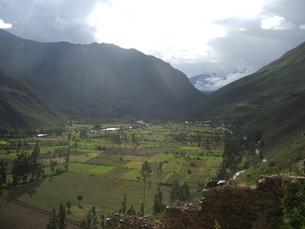 アンデス 山間の村の写真素材 [FYI00121483]