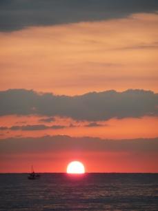 朝の海の写真素材 [FYI00121506]