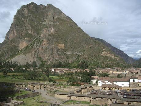 マチュピチュの麓の村の写真素材 [FYI00121534]