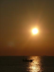 朝の海の写真素材 [FYI00121537]