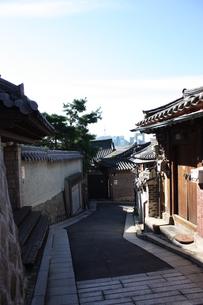 ソウル 北村の伝統的韓屋の写真素材 [FYI00121586]