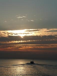朝の海の写真素材 [FYI00121589]