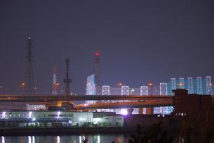 夜の湾岸の写真素材 [FYI00122224]