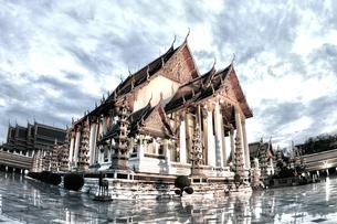 夜の寺の写真素材 [FYI00123219]