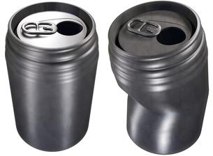 アルミ缶の写真素材 [FYI00124135]