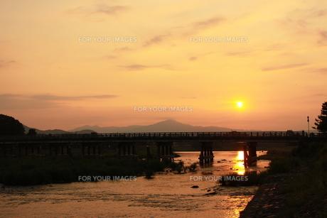 嵐山の日の出の写真素材 [FYI00124521]