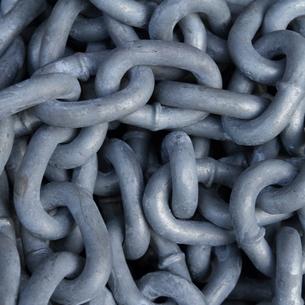 ニッケルメッキされた鎖の写真素材 [FYI00124709]
