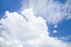 青空の雲の写真素材 [FYI00124714]