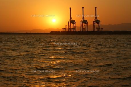 南港の夕景の写真素材 [FYI00125806]