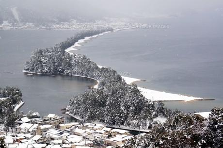 雪の天橋立の写真素材 [FYI00125823]