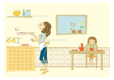 ダイニングキッチンで料理する女性と子供の素材 [FYI00126016]