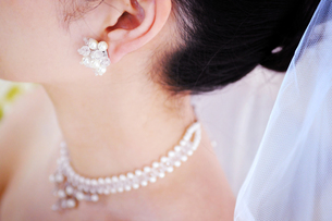 花嫁のイヤリングの写真素材 [FYI00126170]