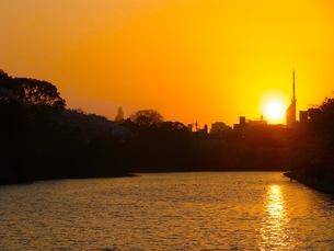 福岡の夕日の写真素材 [FYI00126450]
