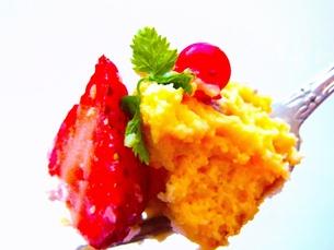 イチゴケーキの写真素材 [FYI00126583]