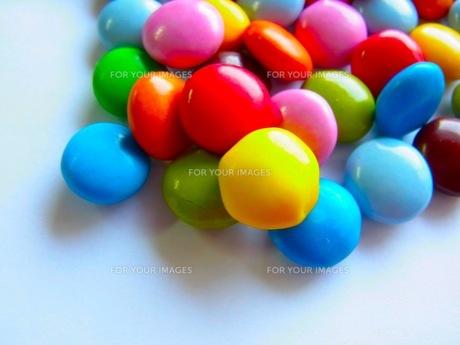 カラフルなチョコレートの素材 [FYI00126807]