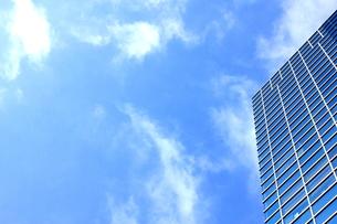 ビルと青空の写真素材 [FYI00126992]