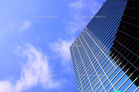 ビルと青空の素材 [FYI00126999]
