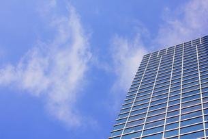 ビルと青空の写真素材 [FYI00127001]