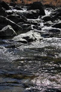 四万十川の清流と岩 4の写真素材 [FYI00127382]
