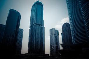 ドバイの高層ビル群の写真素材 [FYI00127904]