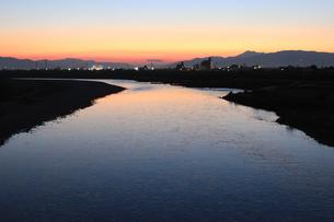 夕日の長良川の写真素材 [FYI00128074]