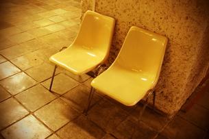 黄色いベンチの素材 [FYI00128434]