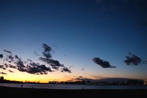 千葉港の夕景の素材 [FYI00128490]