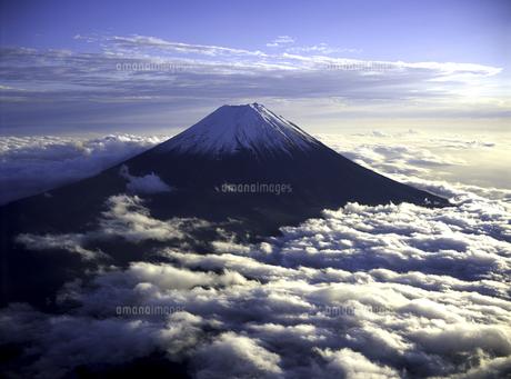 夕日を浴びる富士山の素材 [FYI00131441]