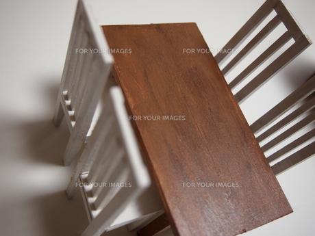 ミニチュア家具:机と椅子の素材 [FYI00133210]