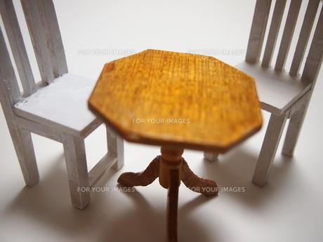 ミニチュア家具:机と椅子の素材 [FYI00133229]