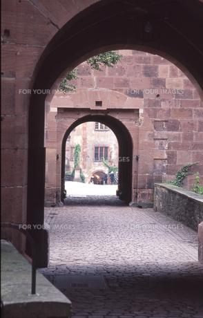トンネルの先にの写真素材 [FYI00133485]