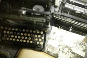 古いタイプライターの写真素材 [FYI00133670]