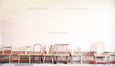 個性的な子供用の椅子たちの写真素材 [FYI00133724]
