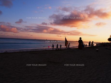 ワイキキの夕日の写真素材 [FYI00134182]