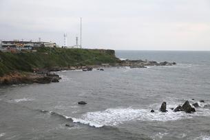 早朝の犬吠埼灯台と海の写真素材 [FYI00135079]