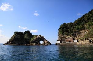浮島船着き場と大ボッケの写真素材 [FYI00135094]