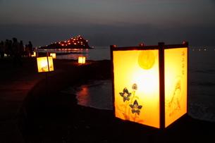 灯篭と島の灯の素材 [FYI00135217]