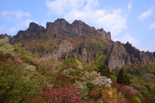 春の妙義山の写真素材 [FYI00135536]