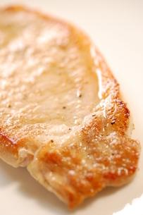 豚肉のソテー。の写真素材 [FYI00136418]