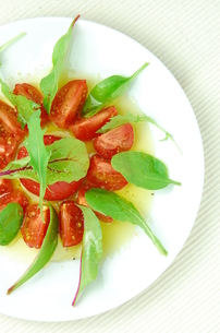 フルーツトマトのサラダ。の素材 [FYI00136424]