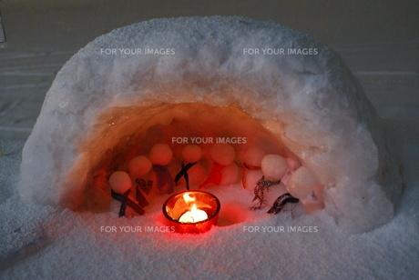 雪灯りの写真素材 [FYI00137121]