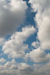 Blue sky and cloudsの写真素材 [FYI00137703]