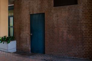 Blue Doorの写真素材 [FYI00137707]
