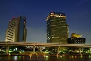 隅田川の夜景の写真素材 [FYI00138043]