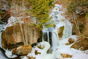 冬の日光竜頭の滝の写真素材 [FYI00138477]
